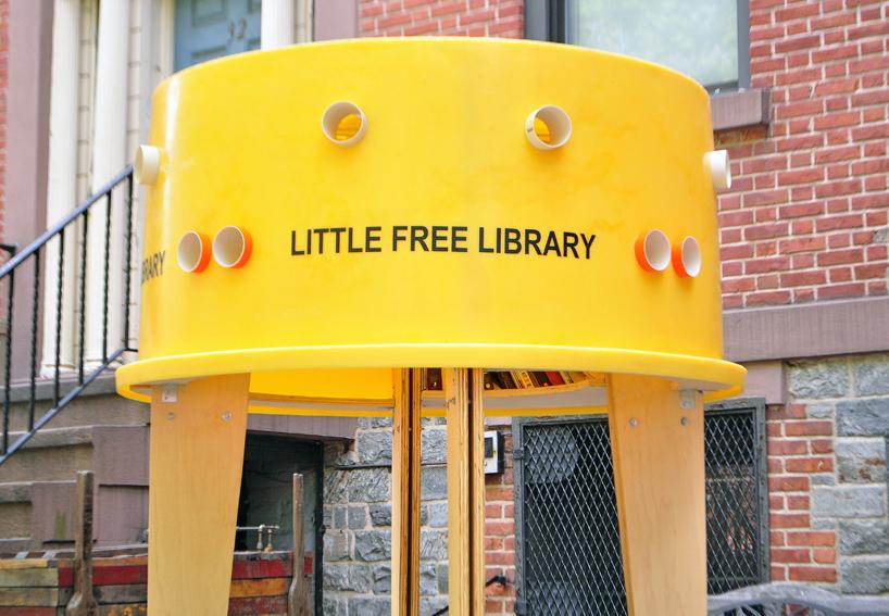 img 11 1369803053 1ae591c88ddbb4aa34b6a0bd0a93dd08 แท๊งค์หนังสือ..ห้องสมุดฟรีเล็กจิ๋วที่นิวยอร์ค