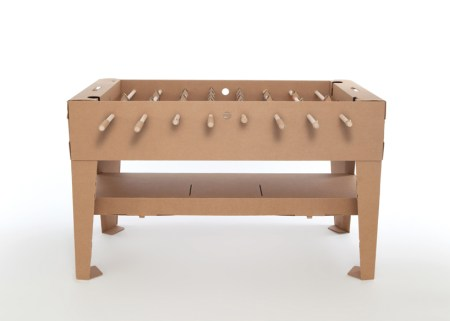 img 6 1368442071 01377cb53a4f301b6700ade22a083cb5 450x321 Foosball table from cardboard