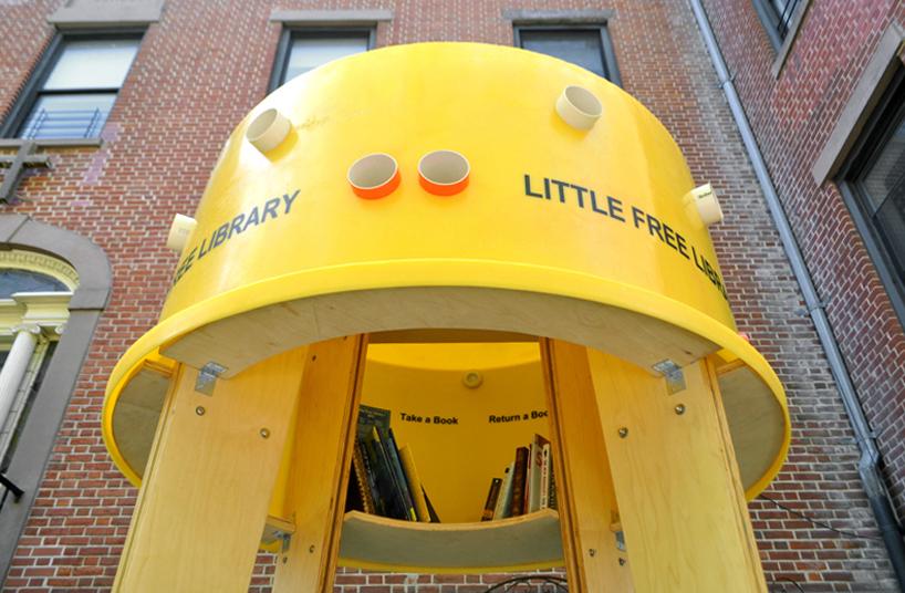 img 8 1369803053 adab4dc696eb39d57b68708faf0218ae แท๊งค์หนังสือ..ห้องสมุดฟรีเล็กจิ๋วที่นิวยอร์ค