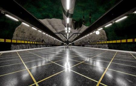 10 450x285 world's longest art exhibition @สต็อกโฮล์ม สถานีรถไฟใต้ดินที่ได้ชื่อว่า เป็นแกลเลอรี่ศิลปะที่ยาวที่สุดในโลก