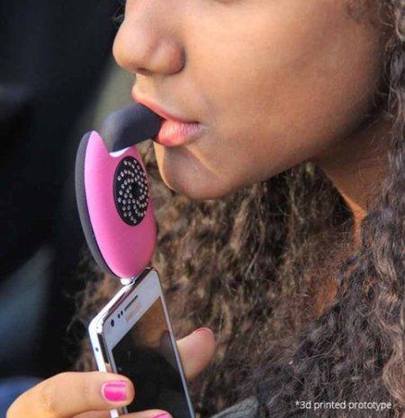 1672791-slide-girl-blow