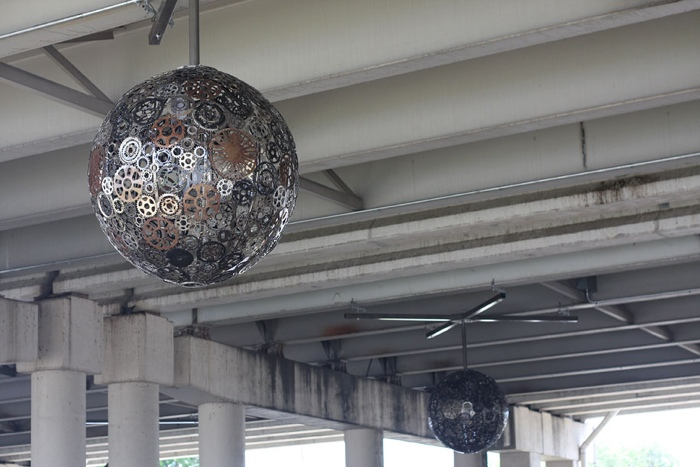 25560602 170548 Chandeliers Made Out of Recycled Bike Parts