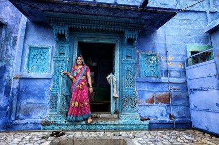 408890 378597178875368 1280780288 n 450x299 Bule City เมืองสีฟ้ากลางทะเลทราย ในประเทศอินเดีย