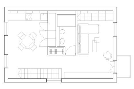 25560714 103739 ผนังและบันได เป็นชั้นวางของ ห้องน้ำเป็นผนังกั้นห้องและมีห้องนอนข้างบน..เพิ่มพื้นที่ และใช้ประโยชน์ได้คุ้มจริงๆ