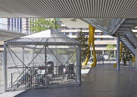 Dezeen_Giraffe-Childcare-Centre-by-Hondelatte-Laporte-Architectes_SS_7