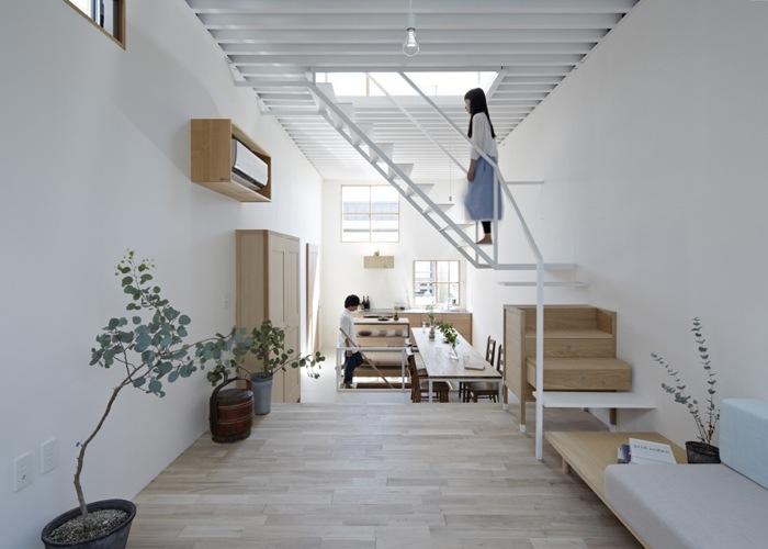 บ้านเล็กๆ ที่ใช้พื้นที่คุ้มค่าด้วยแนวคิดสถาปัตยกรรมเฟอร์นิเจอร์ไม้ อยู่ร่วมกับบันได 13 -
