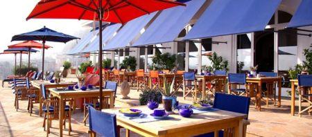 ITA MINE Dining p3wide 450x198  La minervetta โรงแรมที่มีบรรยากาศในภาพยนตร์ยุค 60