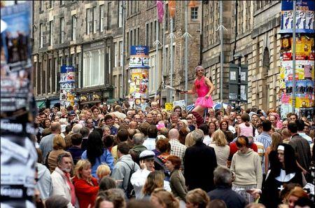fringe3 450x297 Edinburgh Festival Fringe เทศกาลศิลปะกลางแจ้งที่ยิ่งใหญ่ที่สุดในโลก
