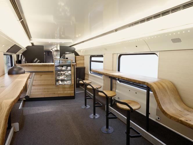3021630-slide-swiss-train-1