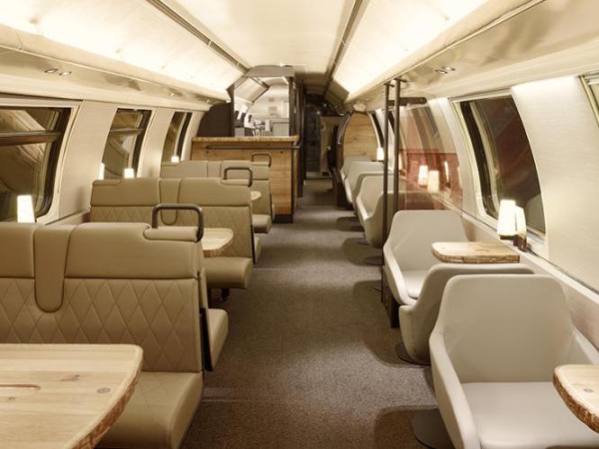 3021630-slide-swiss-train-3