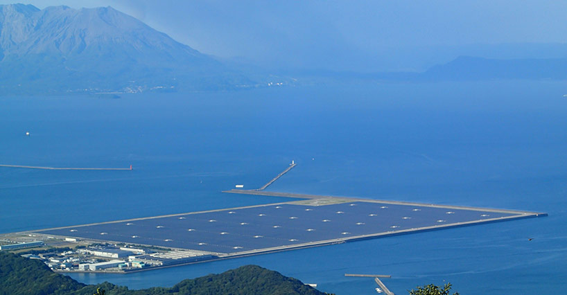 kyocera-floats-mega-solar-power-plant-in-japan-designboom-03