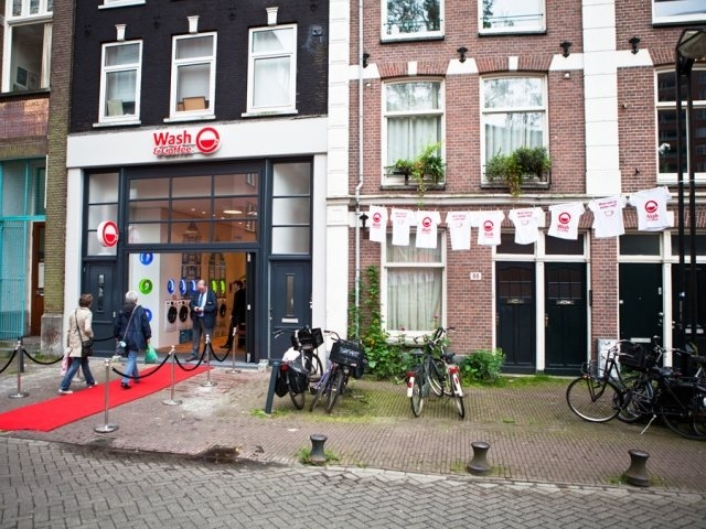 33427 slide Wash & Coffee ร้านกาแฟเก๋ใน  Amsterdam