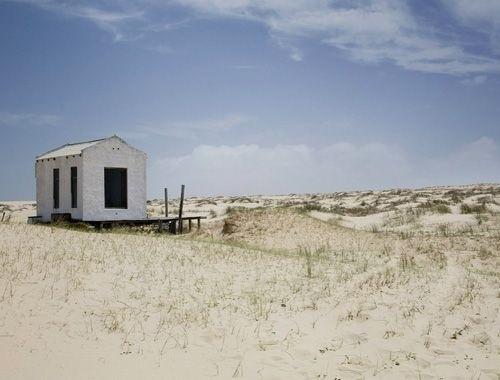 25570128 081902 บ้านในเขตทุรกันดาร กลางทะเลทราย ก็ยังดูดีได้