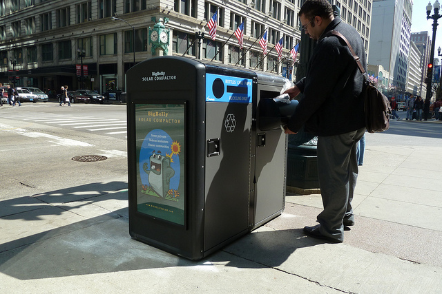 BigBelly Solar Trash Compactor & Recycling Bin at State/Randolph (NW Corner)