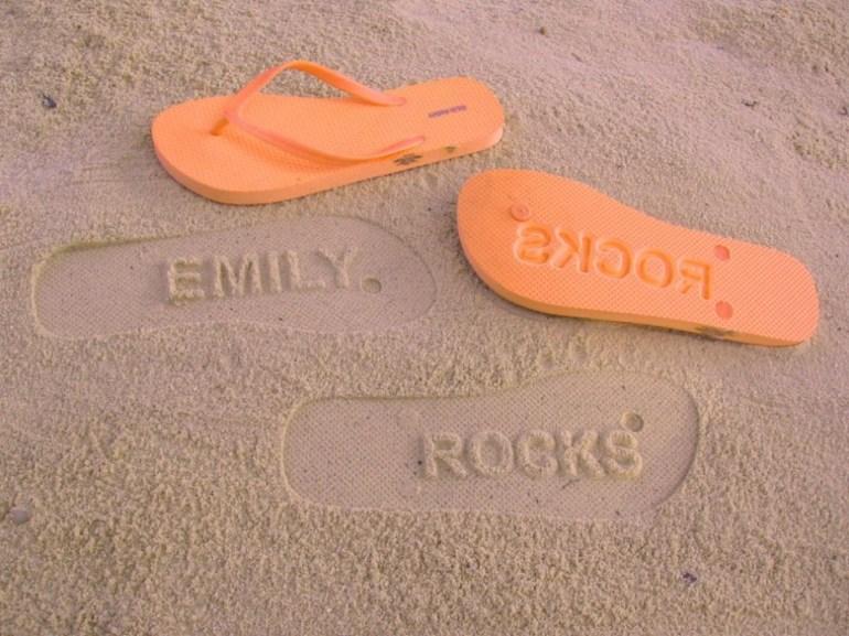 ไอเดียรองเท้าแตะ FlipSideFlipFlops 2 จาก ไอเดีย.com