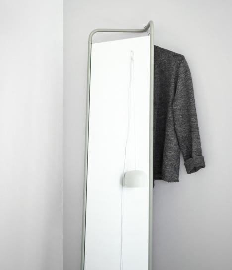 25570308 144348 กระจกประหยัดพื้นที่ ใช้แขวนของได้ โดยKaschkasch Cologne