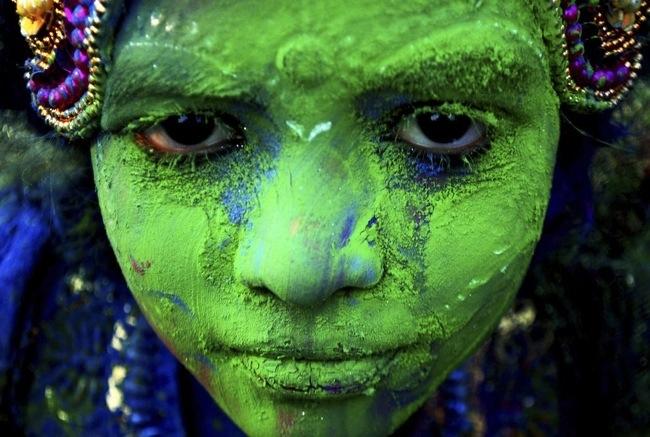 ฉลองการเข้าสู่ฤดูใบไม้ผลิกับเทศกาลแห่งสีสัน ที่ประเทศอินเดีย 13 - Hindu celebration
