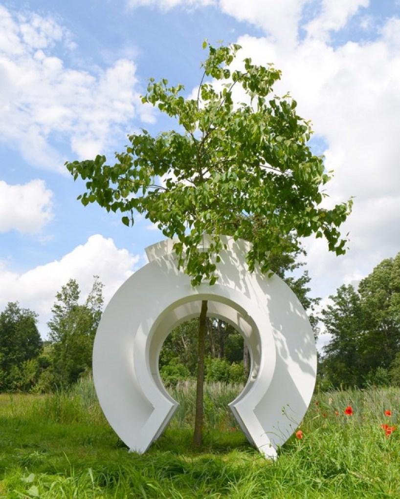 love tree by rob sweere designboom 01 Love tree ต้นไม้ที่รัก
