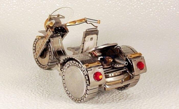 20140429 205815 เมื่อนาฬิกาเก่า แปลงร่างเป็นมอเตอร์ไซค์และรถ..