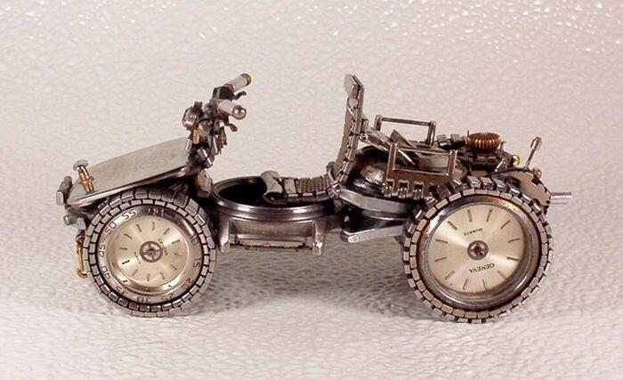 20140429 205831 เมื่อนาฬิกาเก่า แปลงร่างเป็นมอเตอร์ไซค์และรถ..