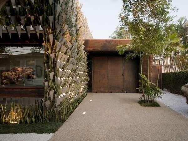 สวนแนวตั้ง จากกระถางอลูมินัมและต้นไม้ 6,000 ต้น ที่ Firma Casa 13 - Gallery