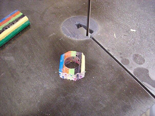 20140516 172300 DIY เปลี่ยนดินสอสี เป็นแหวนสายรุ้ง..สวยงาม