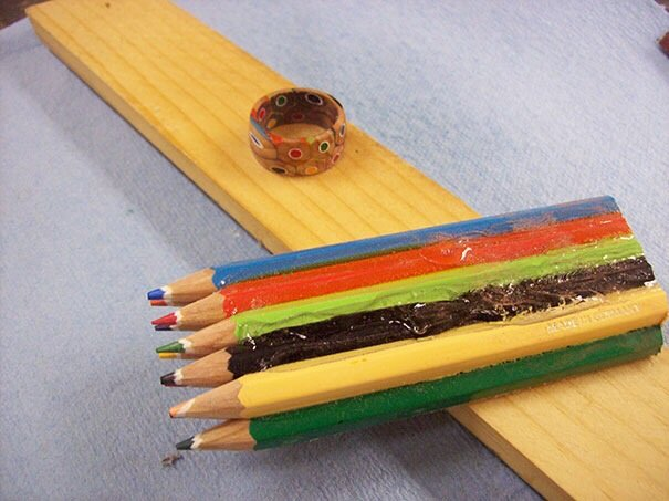 20140516 172341 DIY เปลี่ยนดินสอสี เป็นแหวนสายรุ้ง..สวยงาม