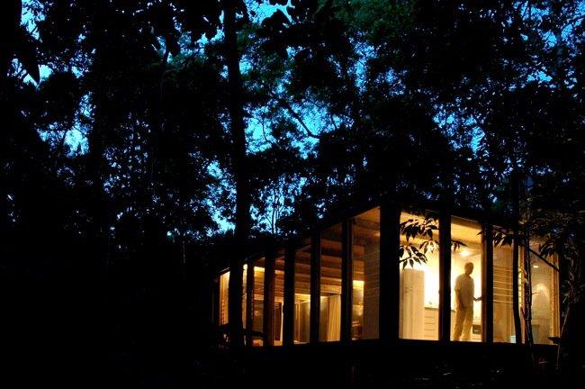 20140527 145732 53852904 บ้านในป่าร้อนชื้น โปร่งโล่ง กันแมลงแต่ไม่กั้นลม แสงสว่าง และธรรมชาติ