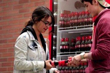 Coke Friendly Twist...ฝาขวดแบบใหม่ เปิดโค้ก เปิดรับมิตรภาพใหม่ๆ 6 - COKE