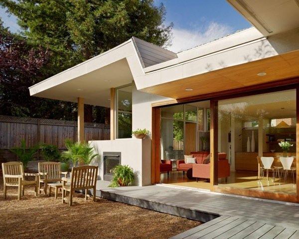 25570514 174838 บ้านที่เปิดโล่งเชื่อมโยงภายในกับสวนทั้งชั้นบนและล่าง
