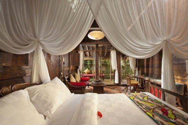 20140602 170424 61464159 โรงแรมบ้านกุ้ง..พื้นห้องนอนเป็นกระจกใสมองเห็นชีวิตสัตว์น้ำในบ่อกุ้ง