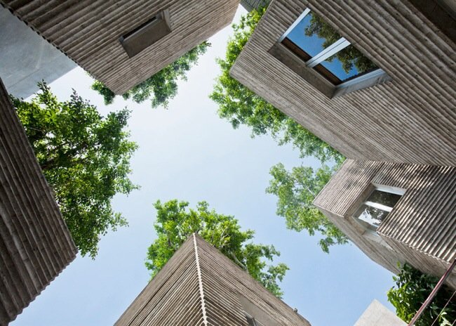 บ้านที่เหมือนกระถางต้นไม้..บ้านรางวัลชนะเลิศ AR House 2014 16 - เวียดนาม