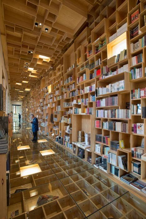 City of the Books and Images by Taller 6A dezeen 1 BookShop Covered in Boxes ห้องสมุดในตึกประวัติศาสตร์เก่า