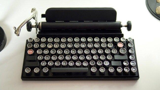 20140706 225955 82795504 USB keyboard ที่จะทำให้การพิมพ์คอมพิวเตอร์ หรือแท็ปเล็ต ได้อารมณ์แบบใช้เครื่องพิมพ์ดีด