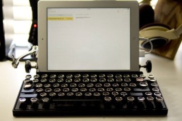 USB keyboard ที่จะทำให้การพิมพ์คอมพิวเตอร์ หรือแท็ปเล็ต ได้อารมณ์แบบใช้เครื่องพิมพ์ดีด