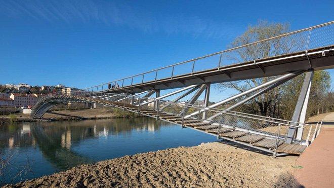 5 dietmar feichtinger completes the peace footbridge in lyon The Peace Footbridge สะพานเดินเท้าและขี่จักรยานข้ามแม่น้ำโรน