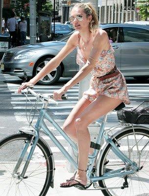 67a5132e8b1b7984a837447bf0c57e89 ขี่ยังไง ไม่หวอออก เทคนิคการขี่จักรยานของผู้หญิงชอบใส่กระโปรง ที่สาวๆไม่ควรพลาด