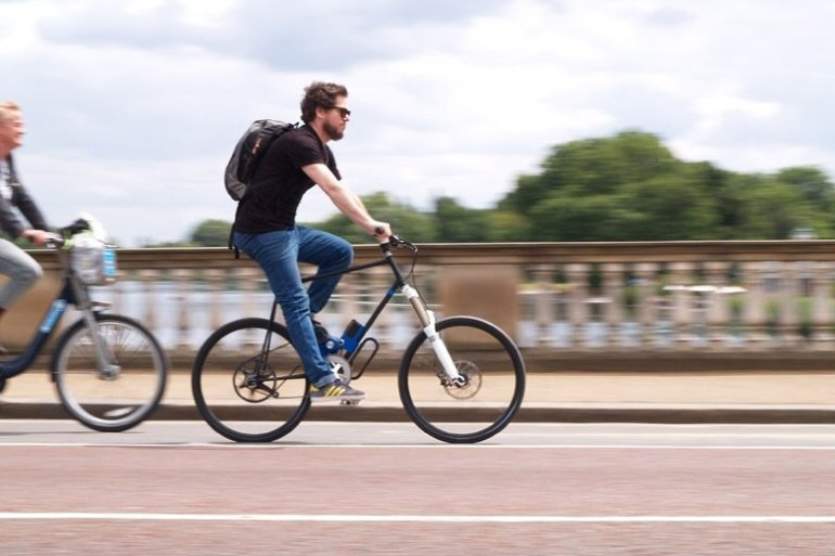 Flux ...ชาร์ตไฟแบบไร้สายในเลนจักรยานระหว่างเดินทาง 14 - the Royal college