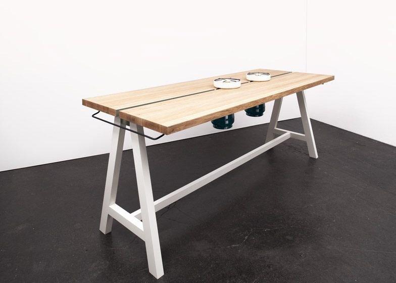 IMG 4351 โต๊ะเรียบๆใช้ประโยชน์ได้หลายอย่าง และเปลี่ยนเป็นครัวได้ง่ายๆ