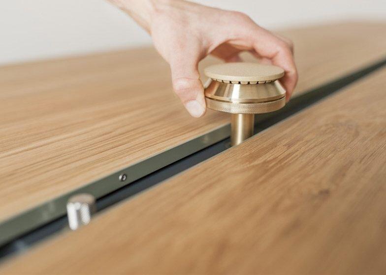 IMG 4356 โต๊ะเรียบๆใช้ประโยชน์ได้หลายอย่าง และเปลี่ยนเป็นครัวได้ง่ายๆ