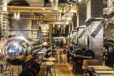 Bangkok Betty ร้านอาหารแรงบันดาลใจจากโรงงานระเบิดของสหรัฐอเมริกา 13 - สหรัฐอเมริกา