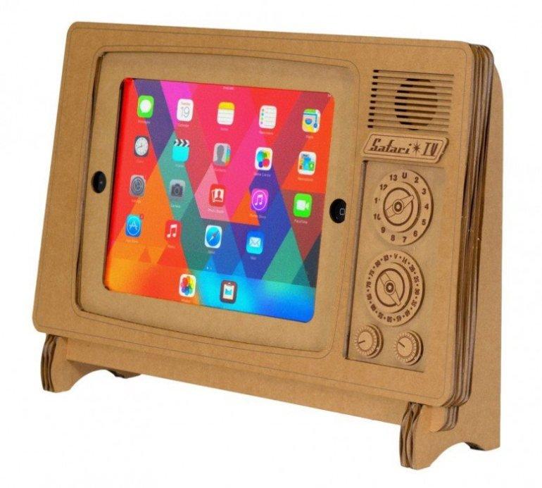 """ที่วาง iPad ทำจากกระดาษกล่อง """"SAFARI TV"""" 13 - cardboard"""