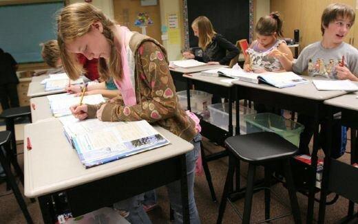 IMG 6008 ยืนเรียน..แก้ปัญหาเด็กอ้วน แล้วยังได้สมาธิในการเรียน