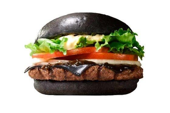 IMG 6426 Black Burger.. เบอร์เกอร์ สีดำ เทรนที่กำลังมาแรงในญี่ปุ่น