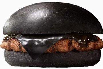 Black Burger.. เบอร์เกอร์ สีดำ เทรนที่กำลังมาแรงในญี่ปุ่น 2 - Burger King