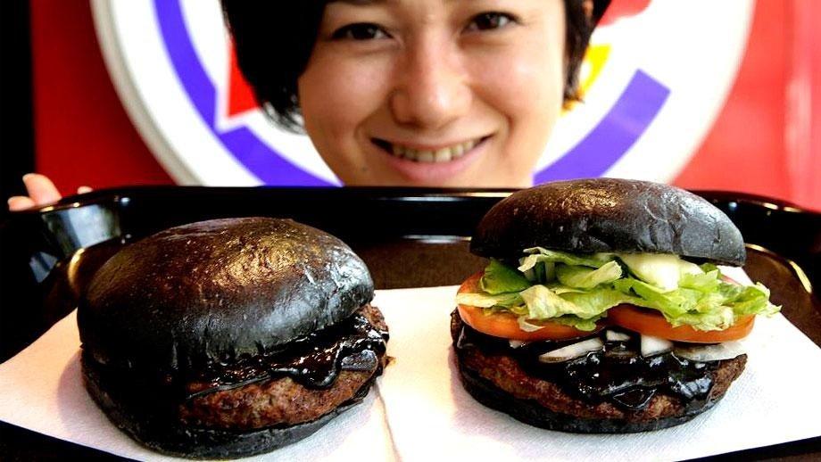 IMG 6428 Black Burger.. เบอร์เกอร์ สีดำ เทรนที่กำลังมาแรงในญี่ปุ่น