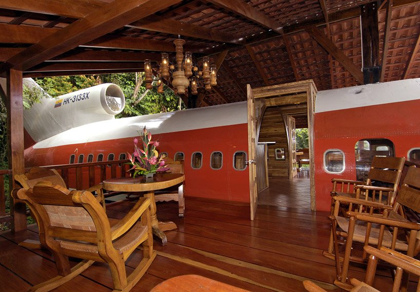 boeing 727 is transformed into hotel suite in costa rican designboom 05 Boeing 727 Hotel