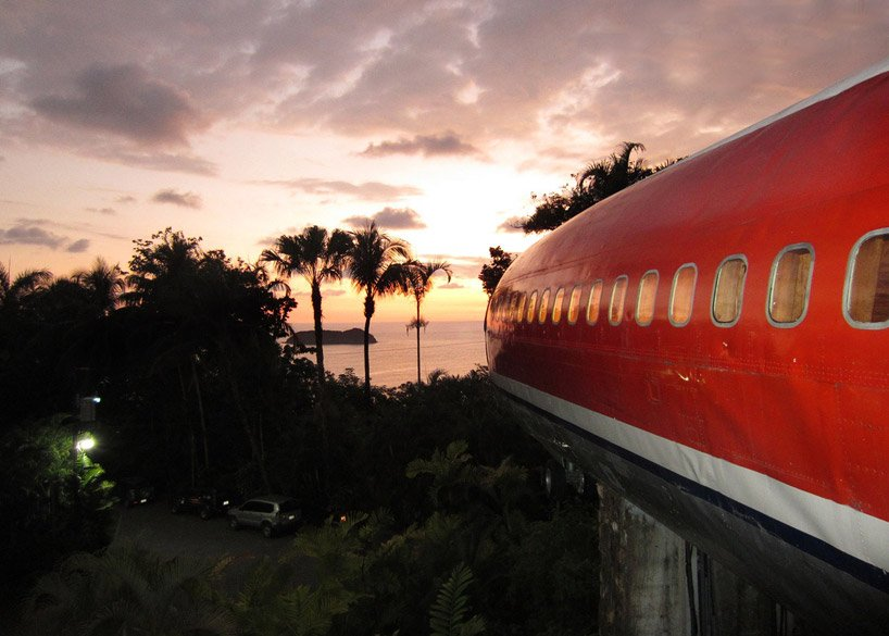 boeing 727 is transformed into hotel suite in costa rican designboom 10 Boeing 727 Hotel