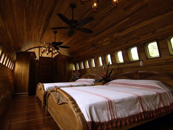 boeing-727-is-transformed-into-hotel-suite-in-costa-rican-designboom-11