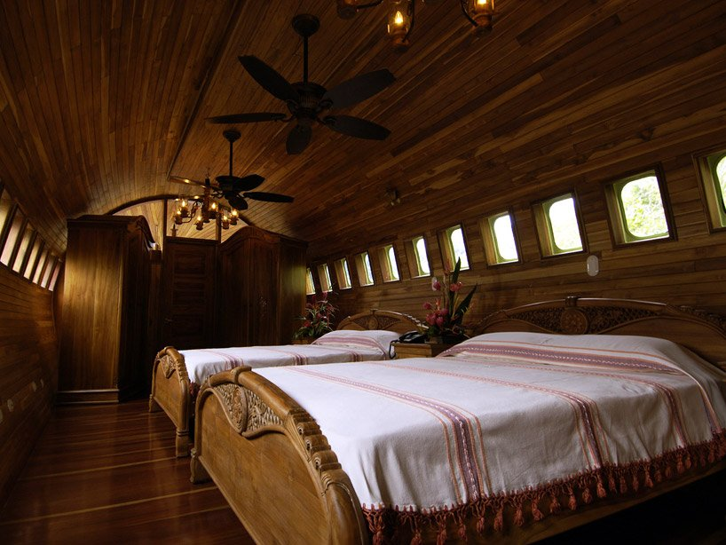 boeing-727-is-transformed-into-hotel-suite-in-costa-rican-designboom-11